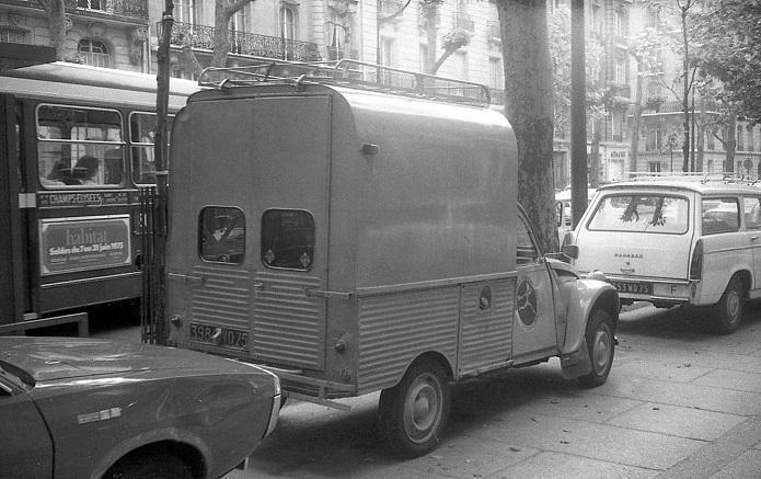 Photos et cartes postale 2cv camionnette  - Page 16 Interf10