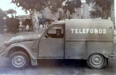 Photos et cartes postale 2cv camionnette  - Page 15 Telefo10