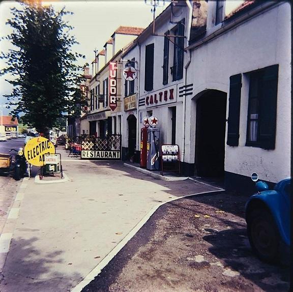 Photos et cartes postale 2cv camionnette  - Page 15 Tudor_10