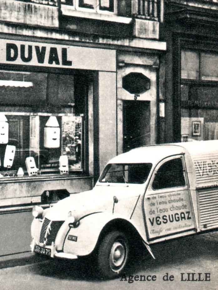 Photos et cartes postale 2cv camionnette  - Page 10 Vesuga11