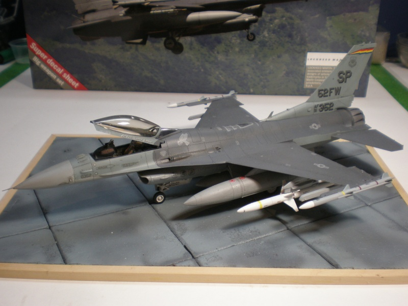 Lockheed Martin F-16 CJ Figthing Falcon Pb270710