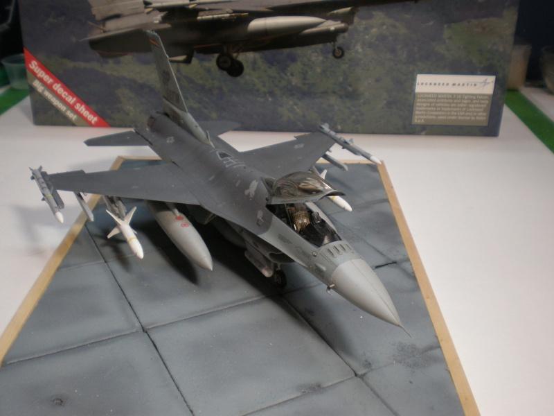 Lockheed Martin F-16 CJ Figthing Falcon Pb270711