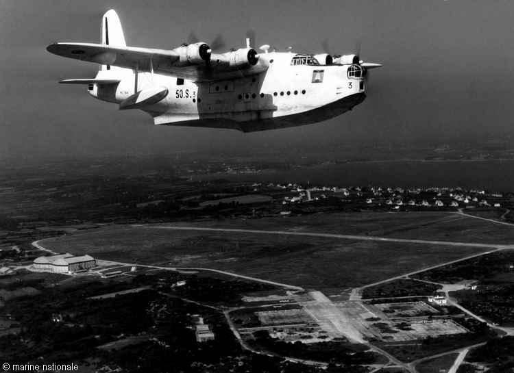 [Les ports militaires de métropole] TOULON au début des années 60 - Page 5 Sunder10