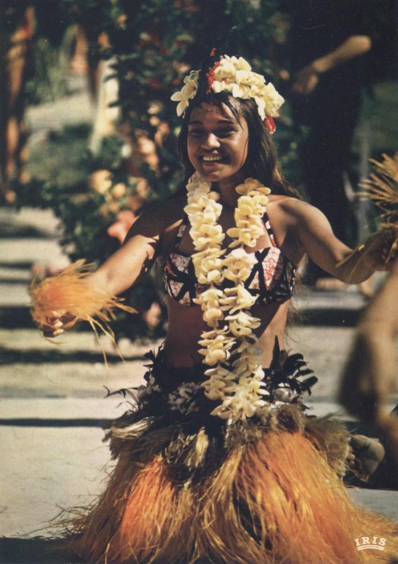 [Papeete] PAPEETE HIER ET AUJOURD'HUI - TOME 3 - Page 11 Tahiti32