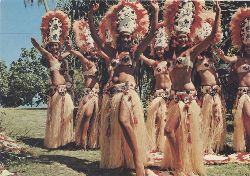 [Papeete] PAPEETE HIER ET AUJOURD'HUI - TOME 3 - Page 12 Tahiti39