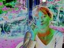Autoportrait jaune à l'aquarium Ap_ver10