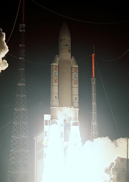 Ariane 5GS V193 / Hélios 2B (18/12/2009) A5_lau10