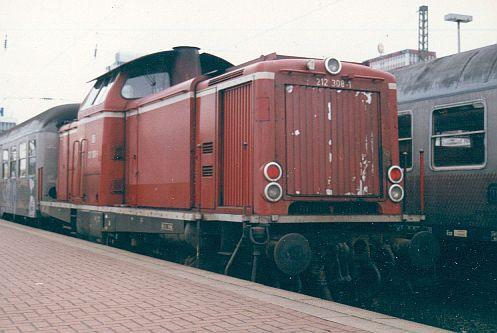 Die Baureihe V100 der DB - 211-213 212_3010