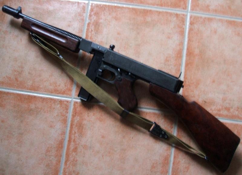 Votre pistolet-mitrailleur préféré - Page 9 Dscf2310