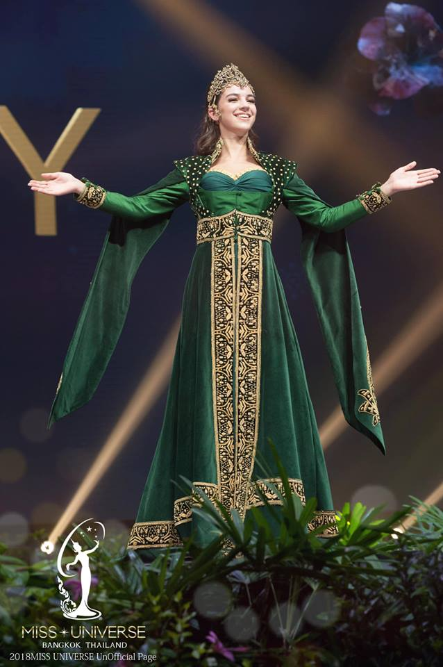Miss Universe 2018 @ NATIONAL COSTUMES - Photos and video added - Page 6 10112