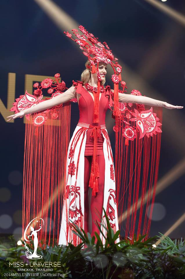 Miss Universe 2018 @ NATIONAL COSTUMES - Photos and video added - Page 7 1645