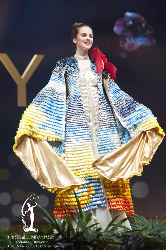 Miss Universe 2018 @ NATIONAL COSTUMES - Photos and video added - Page 7 2447