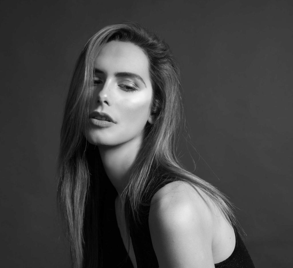 Ángela Ponce (SPAIN 2018) 32378510