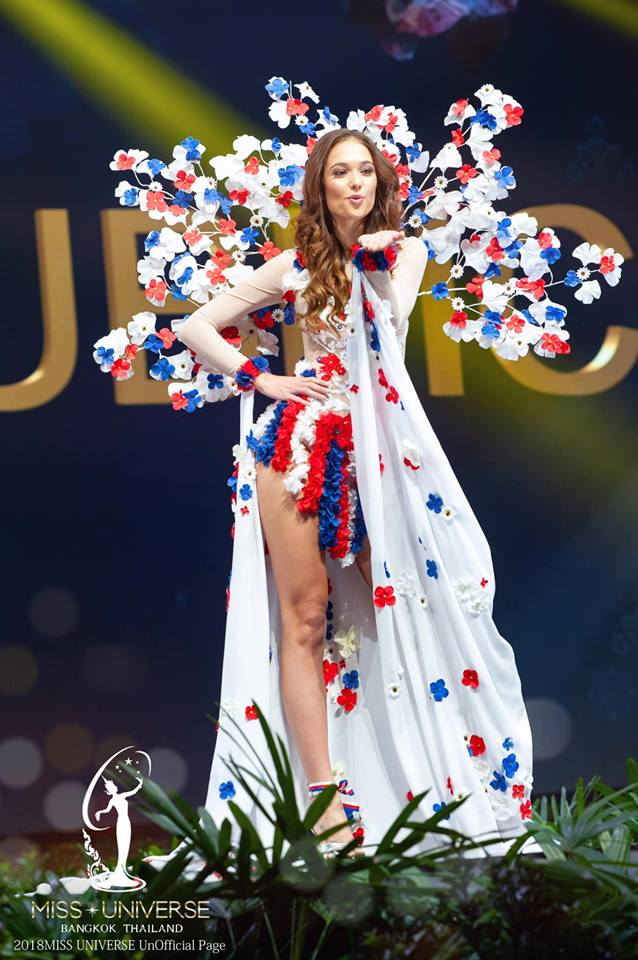 Miss Universe 2018 @ NATIONAL COSTUMES - Photos and video added - Page 6 4302