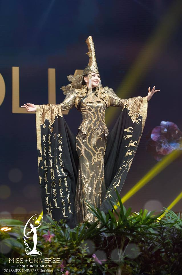 Miss Universe 2018 @ NATIONAL COSTUMES - Photos and video added - Page 6 4305