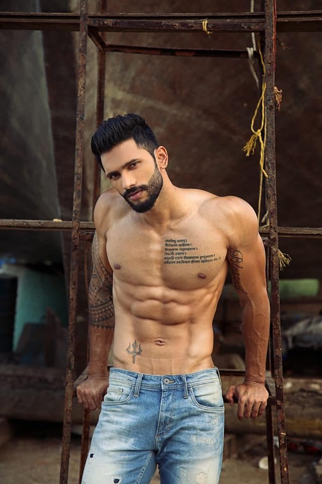 Prathamesh Maulingkar (INDIA 2018) 44191010