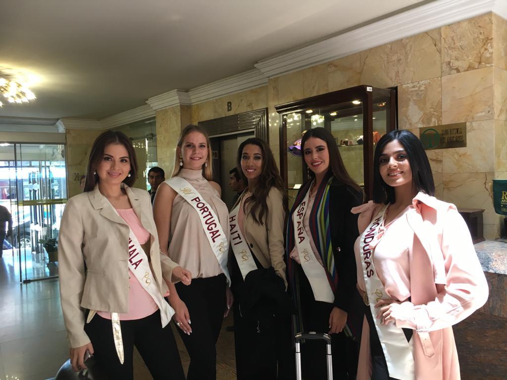 Reina Hispanoamericana 2018 44703411