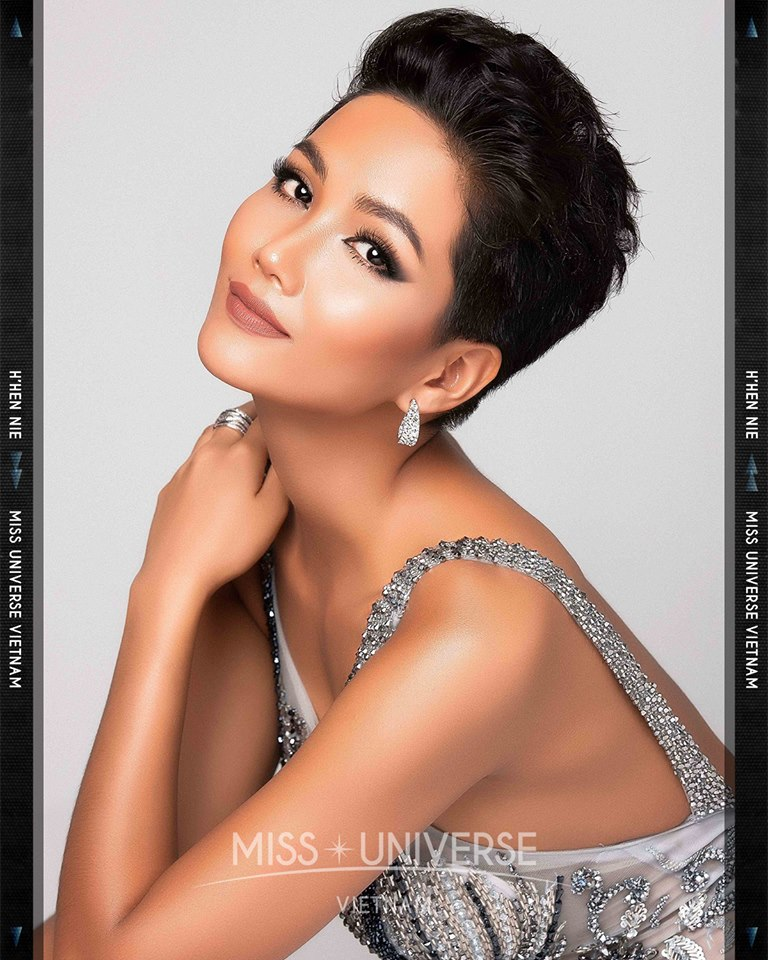 © PAGEANT MANIA © MISS UNIVERSE 2018 - OFFICIAL COVERAGE Finals 45441910