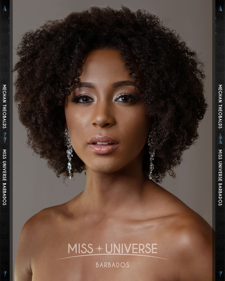 © PAGEANT MANIA © MISS UNIVERSE 2018 - OFFICIAL COVERAGE Finals 45460911