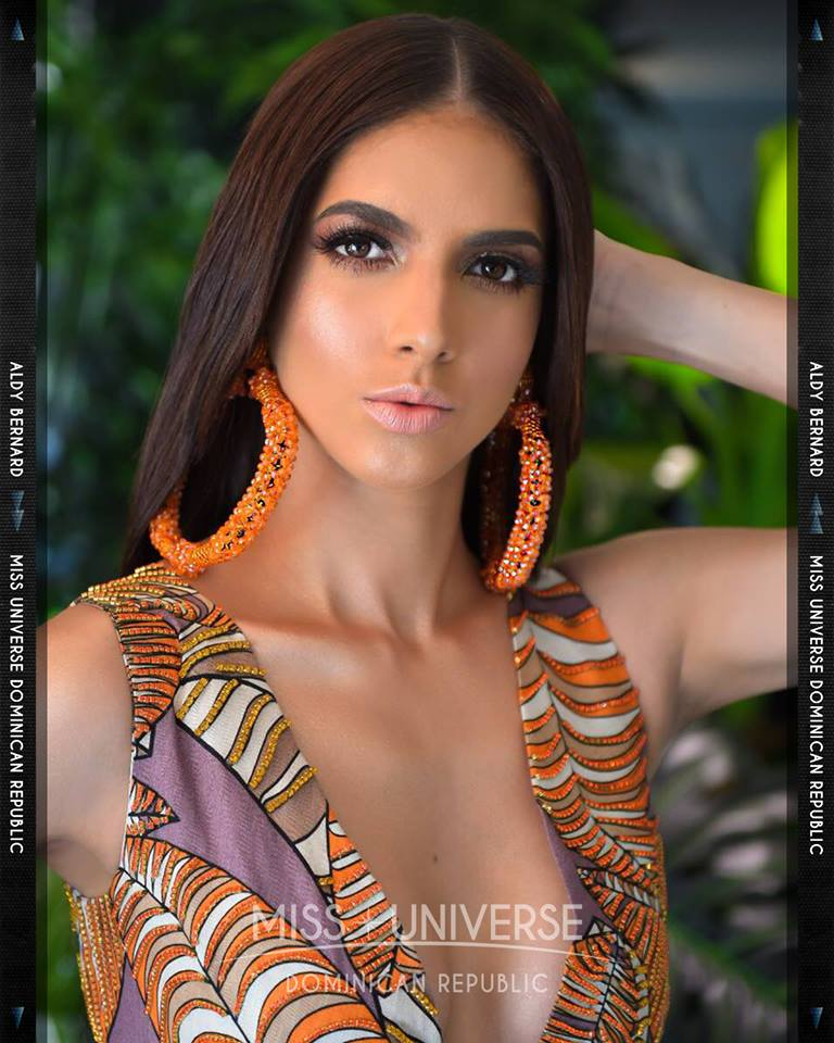 © PAGEANT MANIA © MISS UNIVERSE 2018 - OFFICIAL COVERAGE Finals 45491512