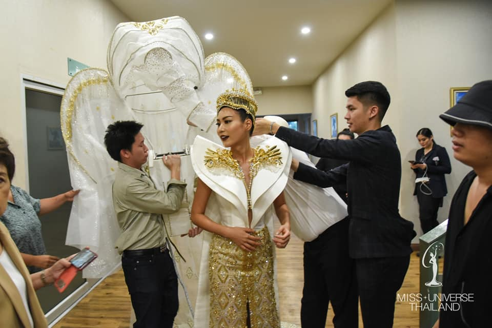 Miss Universe 2018 @ NATIONAL COSTUMES - Photos and video added 46454511
