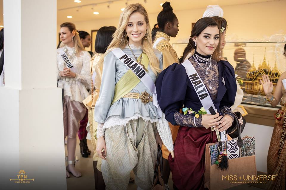 © PAGEANT MANIA © MISS UNIVERSE 2018 - OFFICIAL COVERAGE Finals - Page 39 47687710