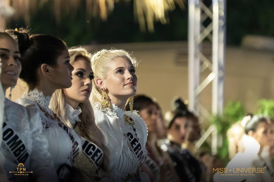 © PAGEANT MANIA © MISS UNIVERSE 2018 - OFFICIAL COVERAGE Finals - Page 38 48218110