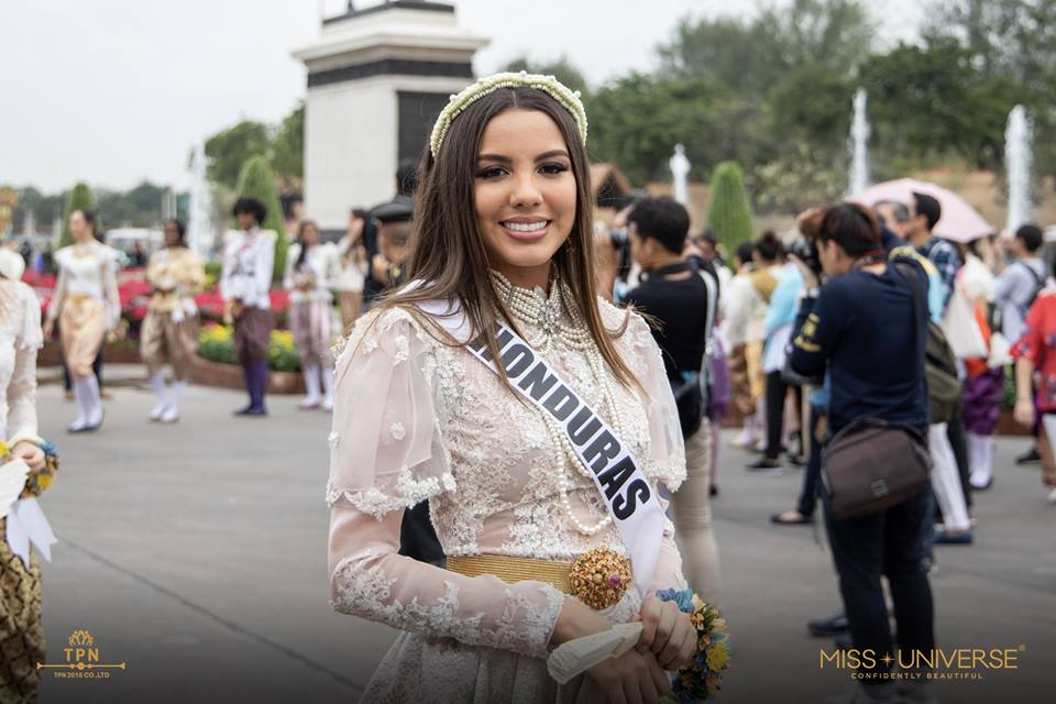 © PAGEANT MANIA © MISS UNIVERSE 2018 - OFFICIAL COVERAGE Finals - Page 39 48365910