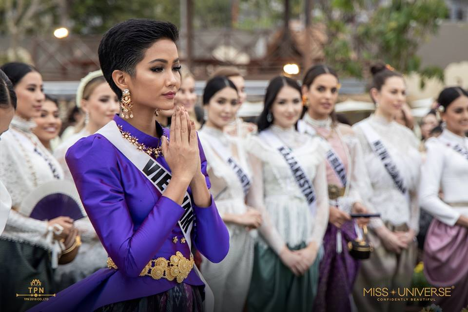 © PAGEANT MANIA © MISS UNIVERSE 2018 - OFFICIAL COVERAGE Finals - Page 38 48373010