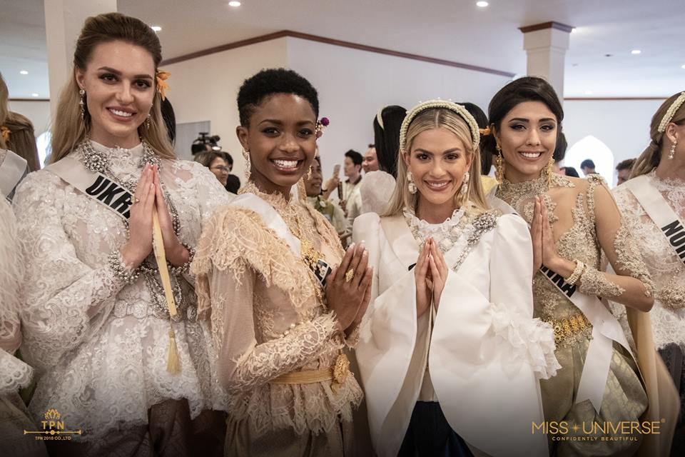 © PAGEANT MANIA © MISS UNIVERSE 2018 - OFFICIAL COVERAGE Finals - Page 38 48393810
