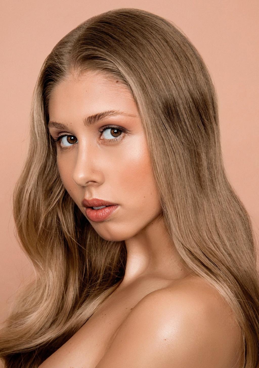 Miss Slovensko 2019 is Frederika Kurtulikova - Page 2 51278311