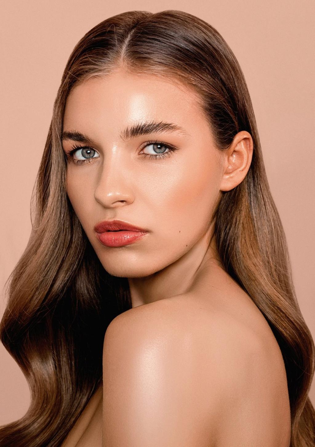 Miss Slovensko 2019 is Frederika Kurtulikova - Page 2 51733810