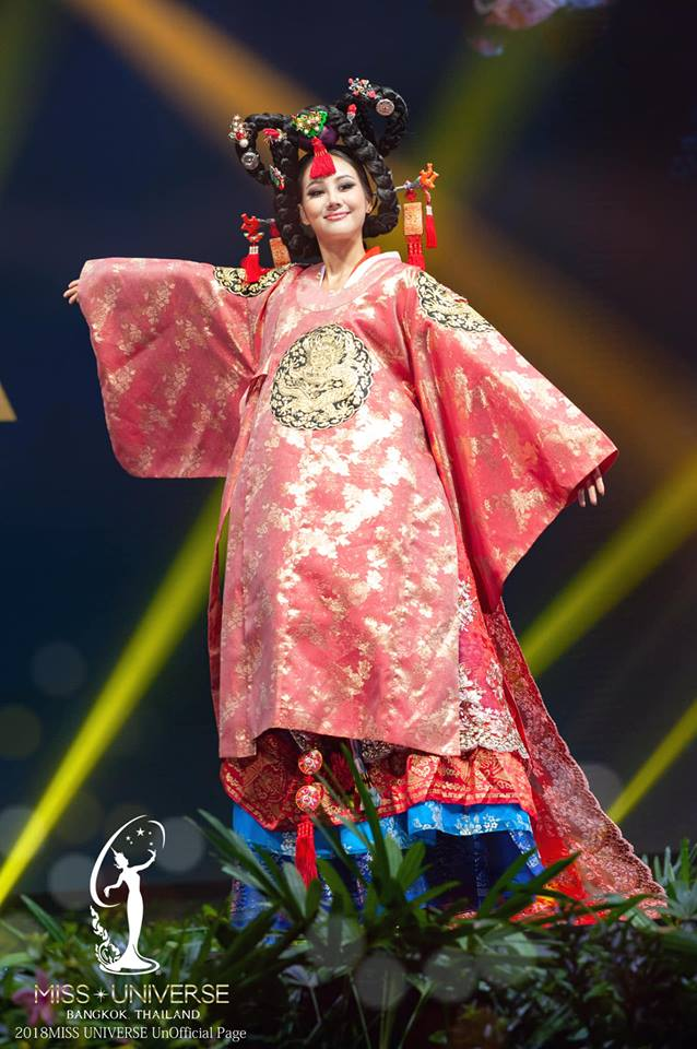 Miss Universe 2018 @ NATIONAL COSTUMES - Photos and video added - Page 6 5272