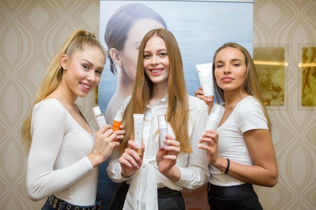 Miss Slovensko 2019 is Frederika Kurtulikova - Page 2 54402610