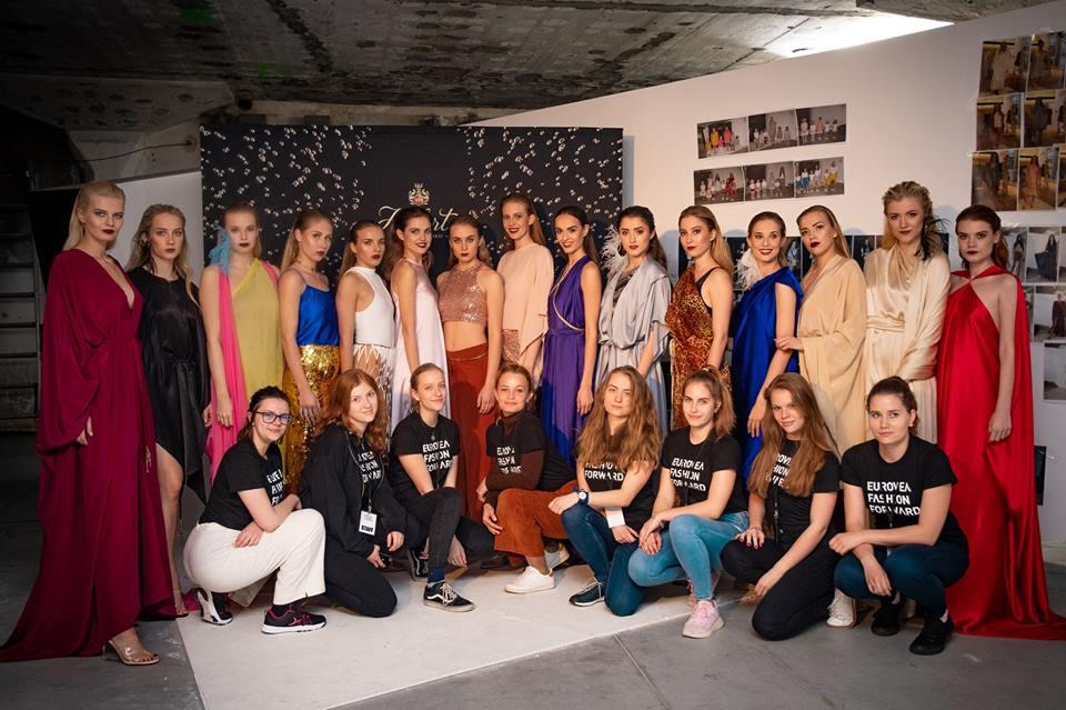 MISS Slovensko 2019 - Page 3 57373010