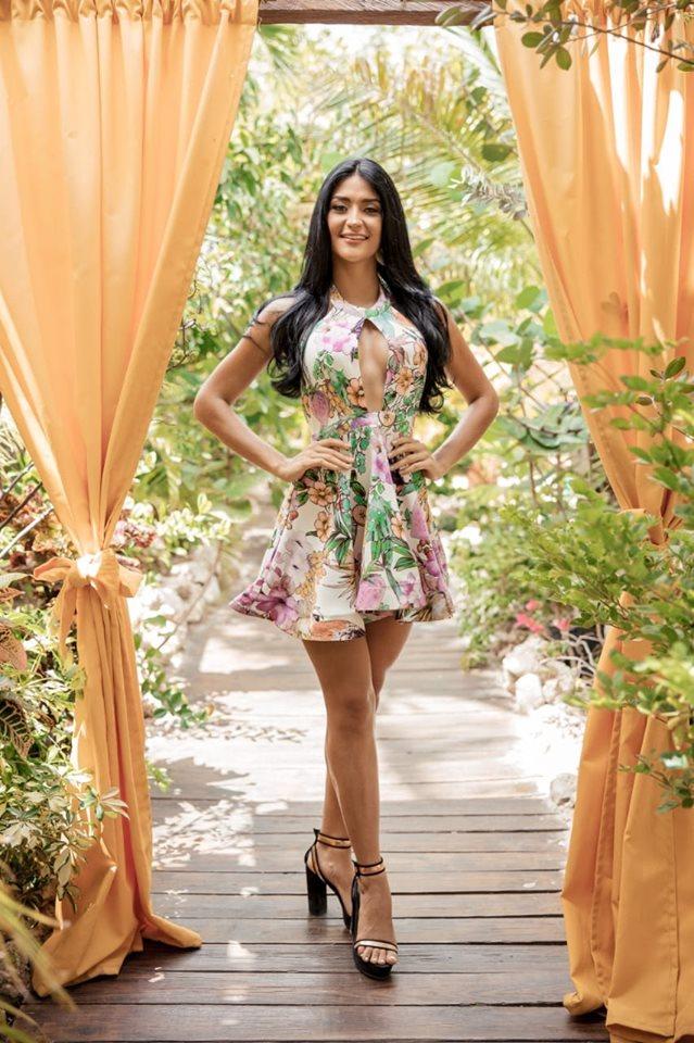 Danna Garcia (ARUBA 2019) 67884811