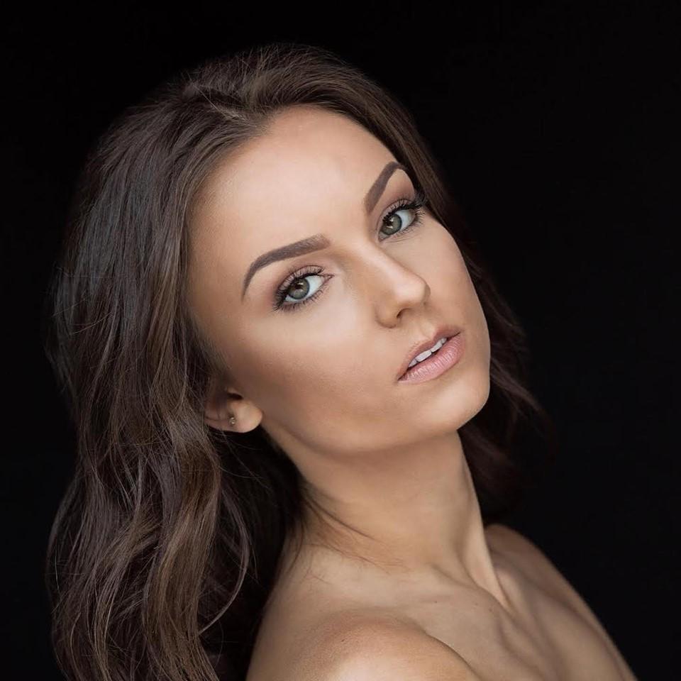 Olivia Pura (ILLINOIS 2020) 69226411