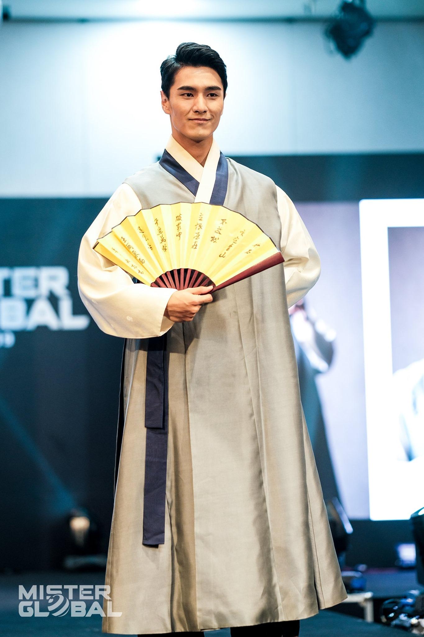 jongwoo kim, mr global 2019. - Página 3 71840210