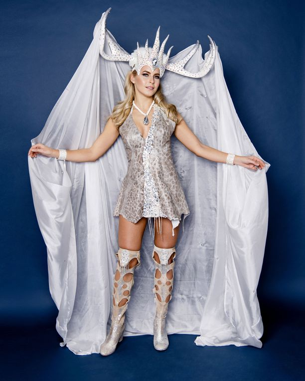 Miss Universe 2018 @ NATIONAL COSTUMES - Photos and video added - Page 2 D6ef8410