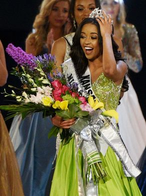 MISS TEEN USA 2019 - FINALS! Kansas10