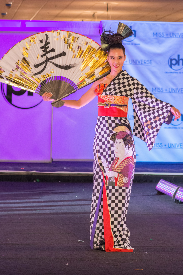 Miss Universe 2018 @ NATIONAL COSTUMES - Photos and video added Miss_u11
