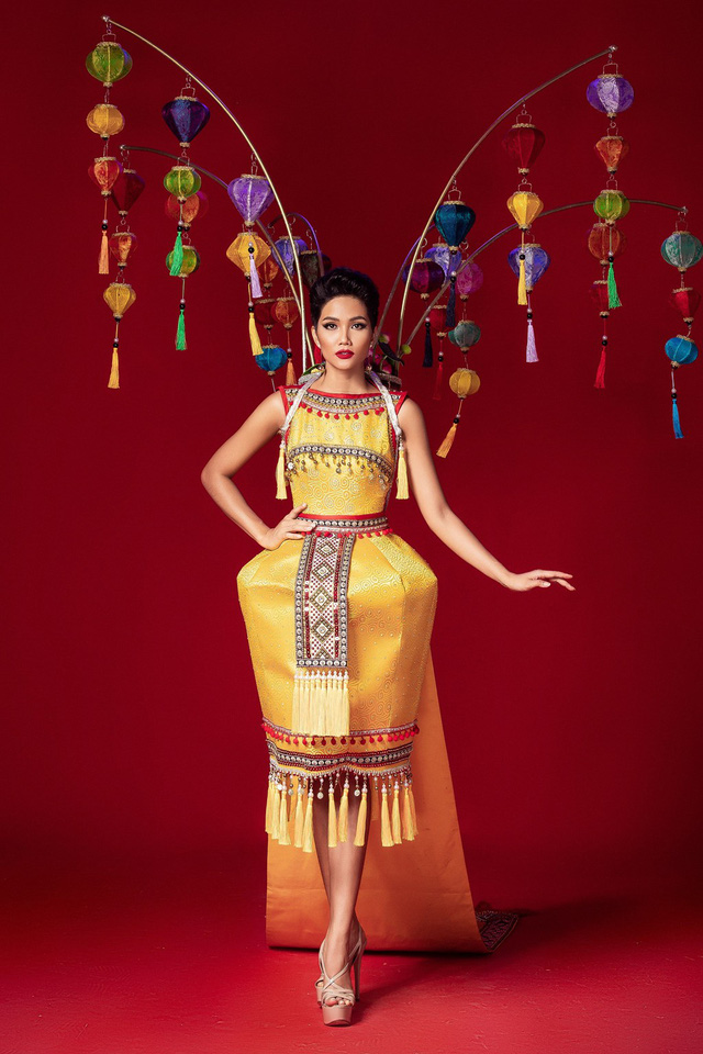 Miss Universe 2018 @ NATIONAL COSTUMES - Photos and video added Photo-13