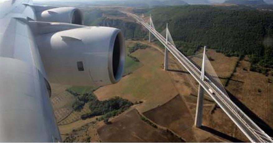 PONTS . OUVRAGES D ART . PHARES BALISES ET AUTRES MONUMENTS  Airbus10