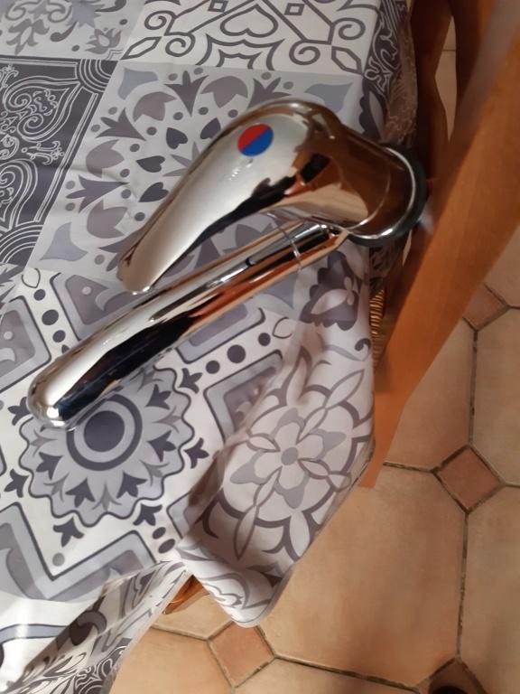 Vente d'un robinet de lavabo (VENDU) 20200611