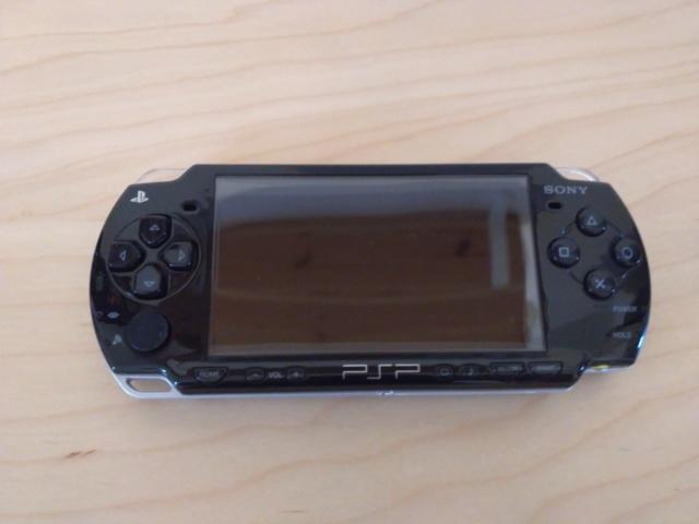 [EST] PSP 2004 SLIM & LITE PIANO BLACK Img_1310