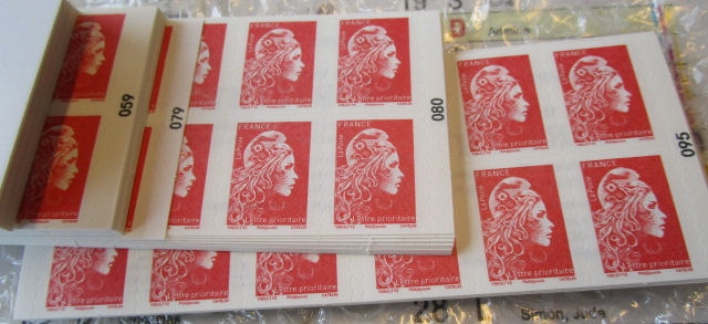 Sanction des contrefaçons actuelles de timbres-poste 11571510