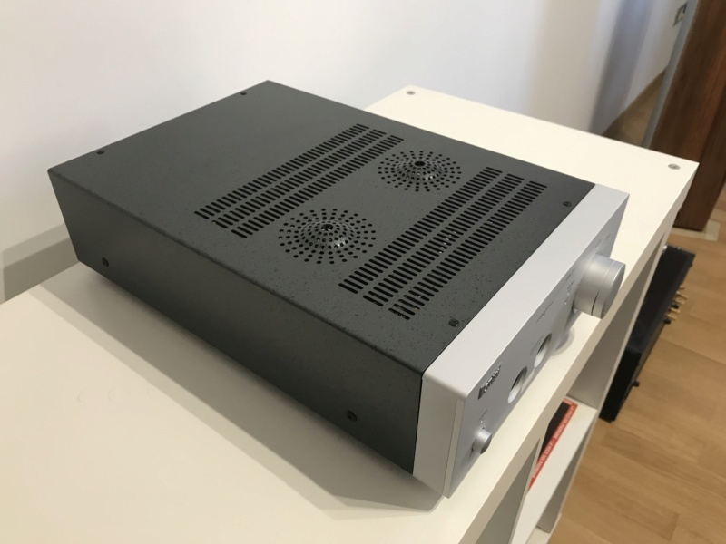 Amplificatore STAX SRM-700T Img_3929