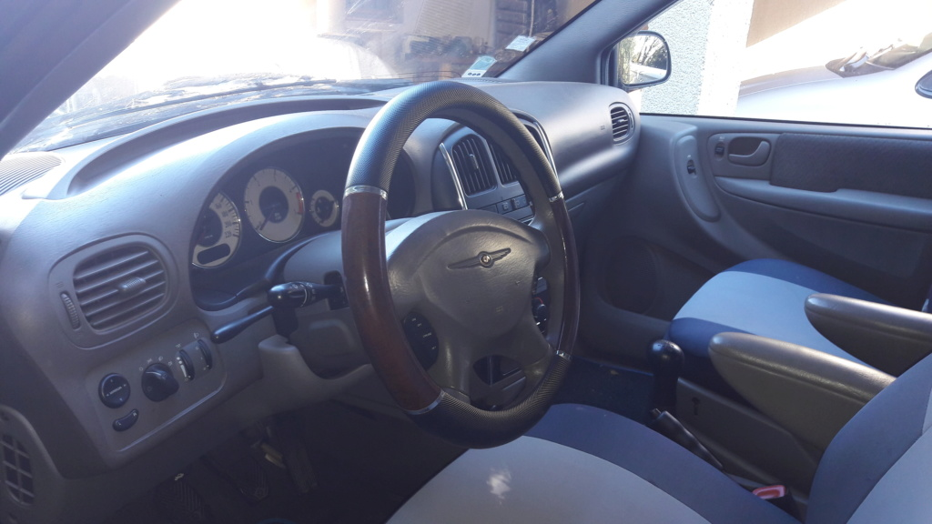 Vends Chrysler voyager S4 SE confort 2.5 CRD 20181112