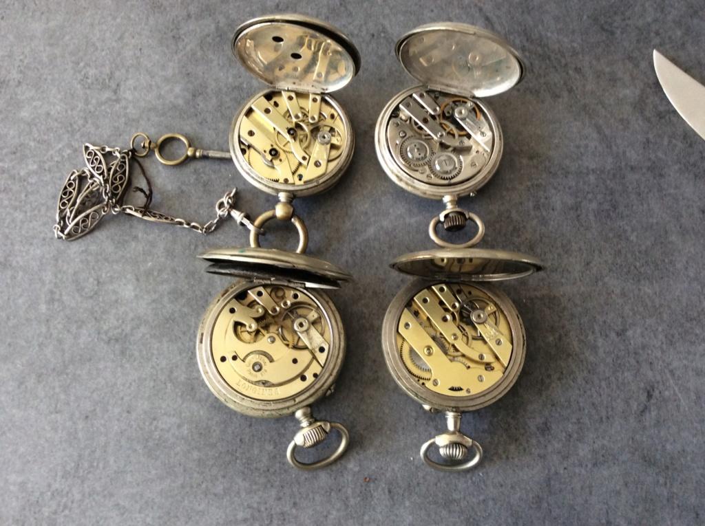 Un post qui référence les montres de brocante... tome IV - Page 39 1300a810