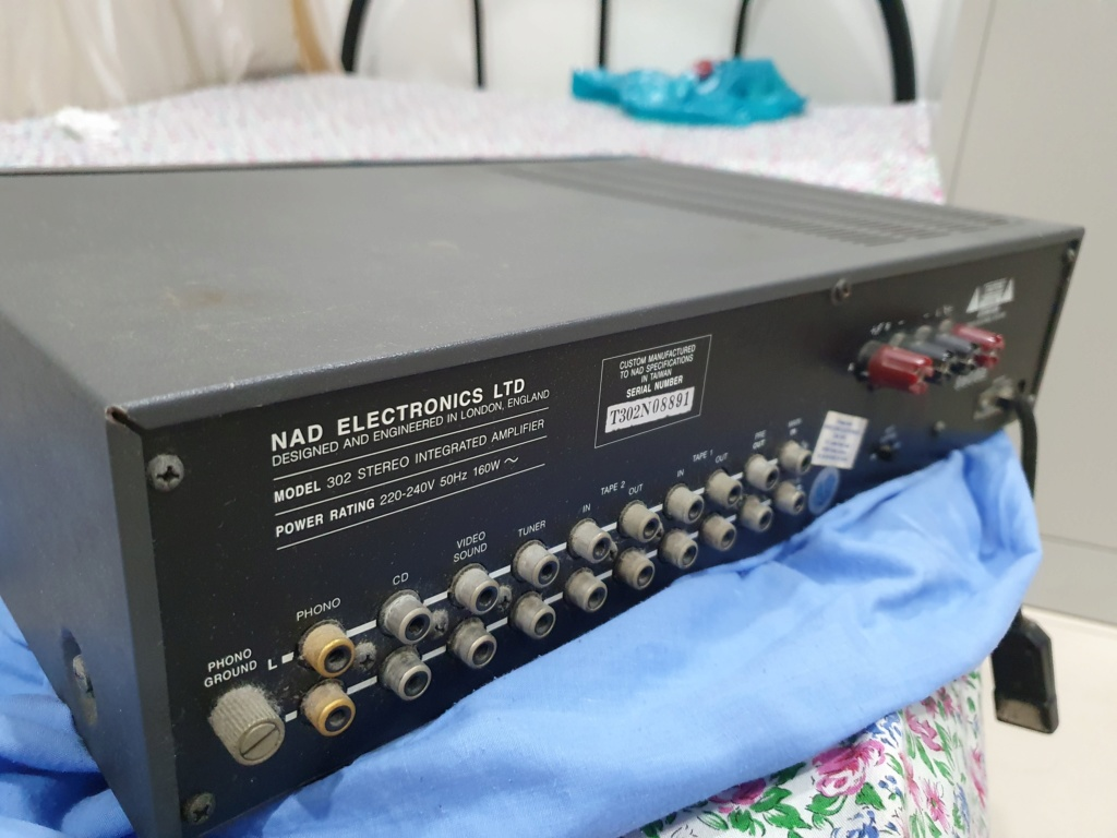 NAD 302 Integrated Amplifier 20200611